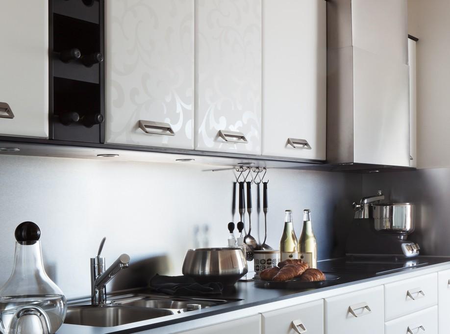 Kjøkkeninspirasjon: White decor skapdører og fronter til kjøkken